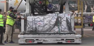 COVID-19 – 500.000 dosis vaksin AstraZeneca dari Australia tiba di Indonesia