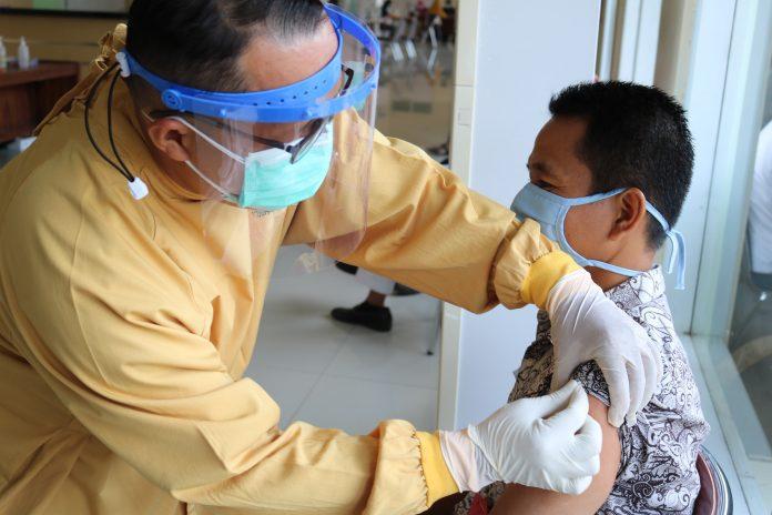 COVID-19 – Lebih 72 juta dosis vaksin pertama telah disuntikkan di Indonesia
