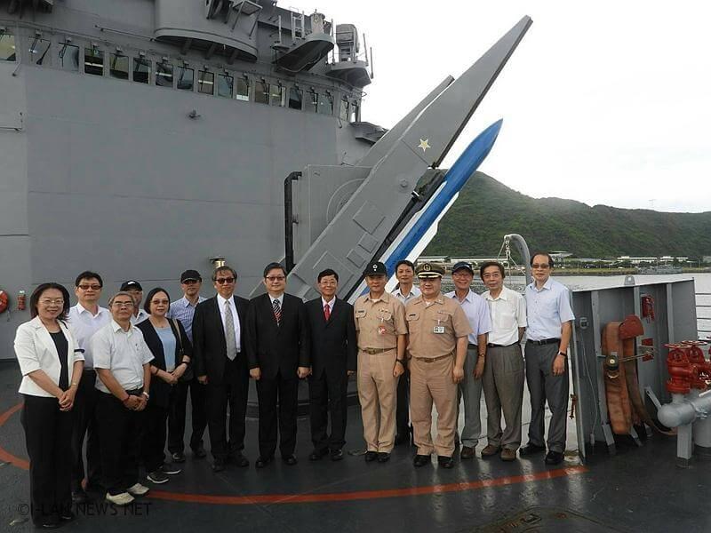 法務部行政執行署參訪海軍一六八艦隊,肯定捍衛海疆辛勞。