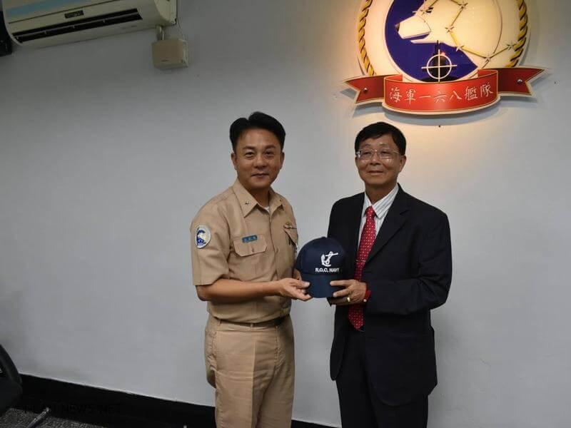 讓參訪人員瞭解基層部隊的任務特性,體會海軍官兵偵巡護漁與捍衛海疆的辛勞。