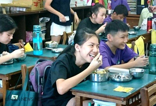 宜蘭縣中小學生免費營養午餐全面實施