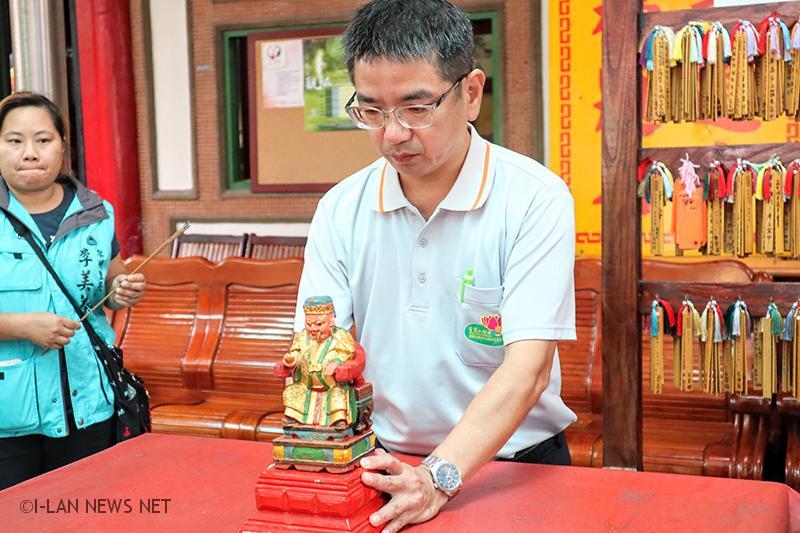 廟中供奉的文昌帝君牌位,為清代官頒的牌位,為罕見的滿漢文並列,此牌位為台灣所僅存