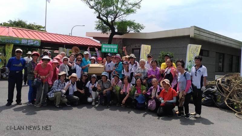 林務局羅東林區管理處今日舉辦「蔓蔓來快快除-小花蔓澤蘭全國防治日宣導活動」。