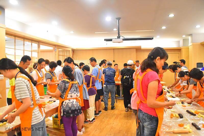 這次社區自製蛋黃酥活動,配合的店家都是鄉內有名的烘焙業,例如:益得蛋糕、美都麵包、怡美烘焙坊、人和村的王老師等。