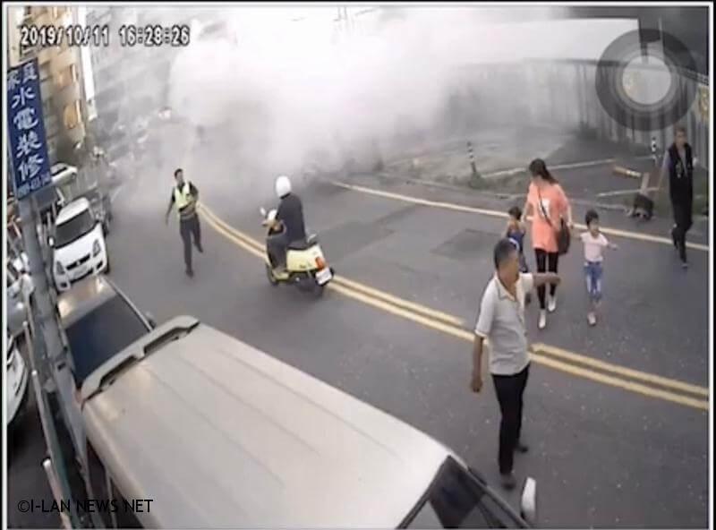 自小客起火車上母子三人逃離 警員及時撲滅!