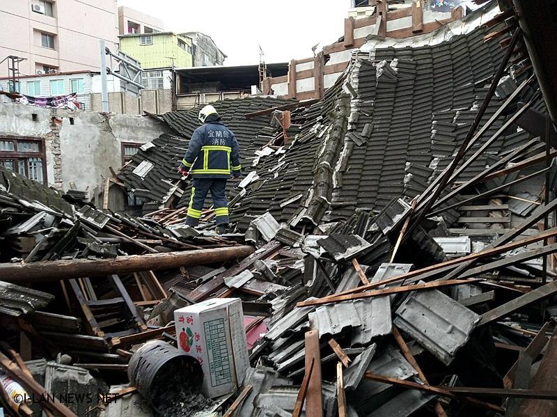 宜市三合院屋頂塌陷1遊民輕傷!