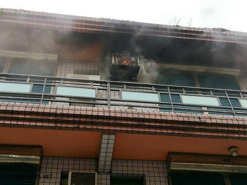 物有火舌及濃煙竄出,無人員受困。