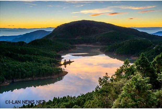 冬天的翠峰湖景色變化萬千宛如人間仙境