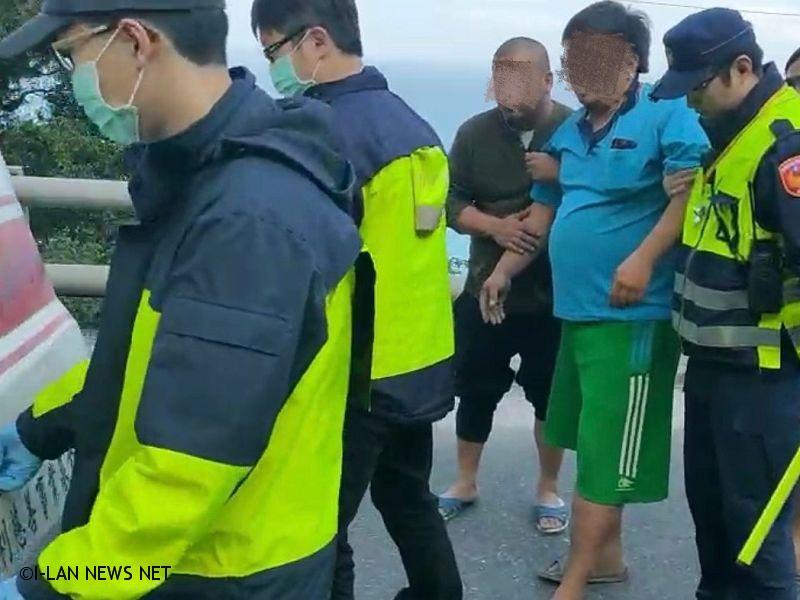 蘇花公路142.6公里拖車翻覆車禍 駕駛受傷!