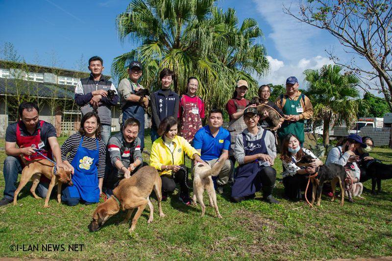 林姿妙感謝動物保護志工對毛孩子無私奉獻