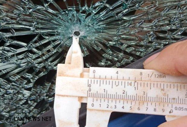 無獨有偶南方澳也發生自小客車玻璃被BB槍擊毀