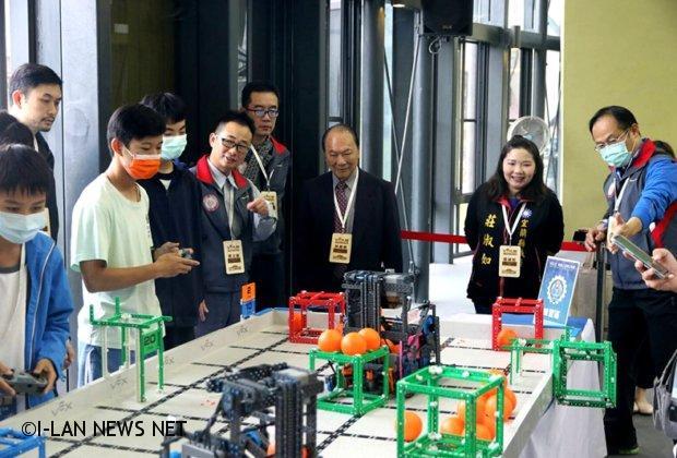 宜蘭縣舉辦「VEX IQ Challenge機器人」台灣公開賽選拔國家隊!