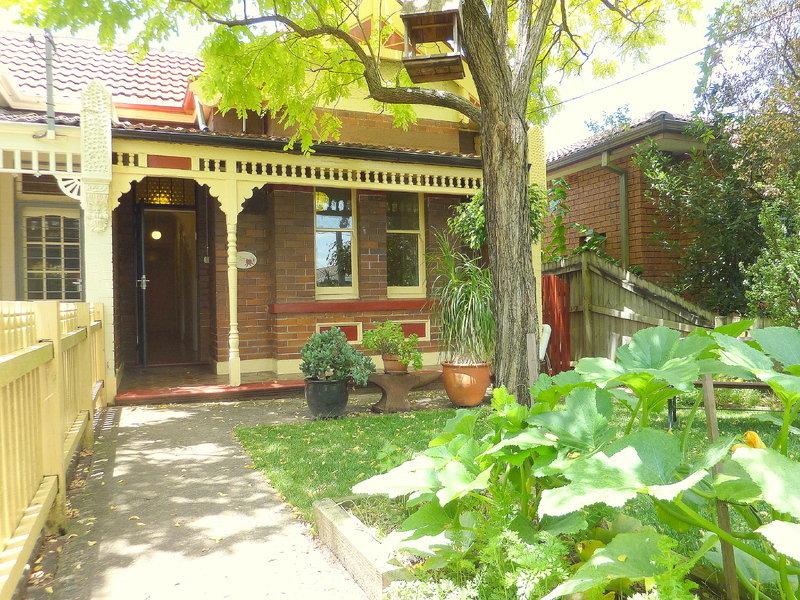27 Garnet Street, DULWICH HILL  NSW  2203