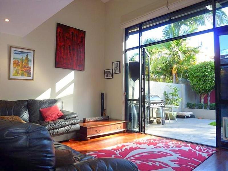 18A Mackenzie Street, LEICHHARDT  NSW  2040