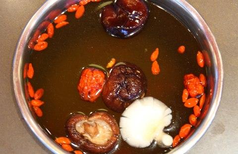 Lẩu nấm – món chay bổ dưỡng, thanh mát