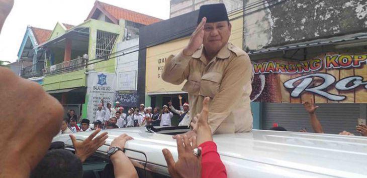 Prabowo Subianto saat berkampanye di Surabaya, Jawa Timur.