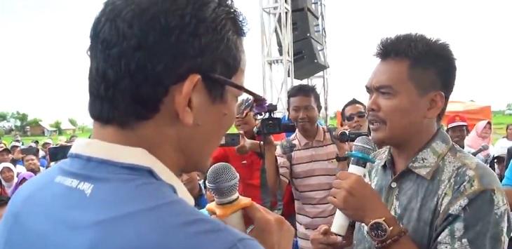 Moh Subkhan yang mengaku petani bawang Brebes, curhat ke Cawapres 02, Sandiaga Uno, Senin (11/2/2019) lalu. (twitter @sandiuno)