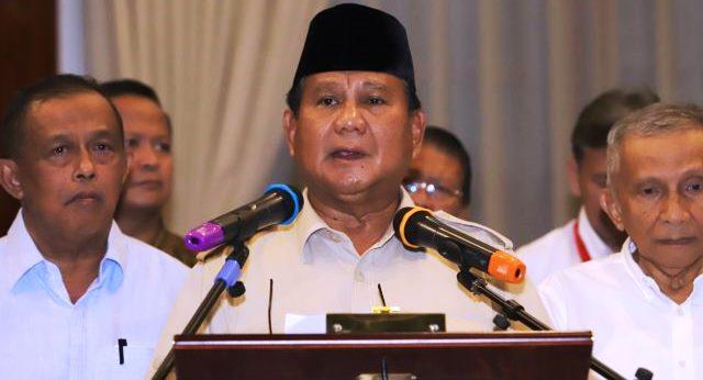 Prabowo Subianto dalam konfrensi pers di Hotel Sahid Jakarta