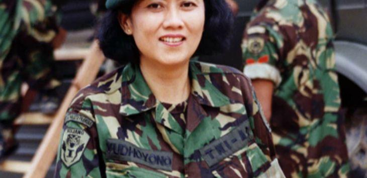 Foto cantik Ani Yudhoyono saat masih muda 12