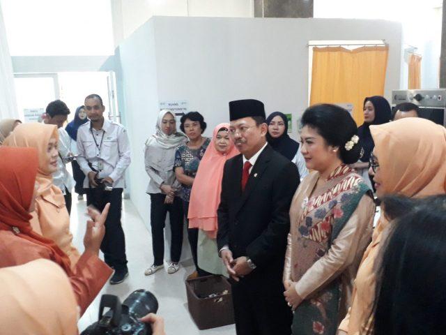 Kunjungan Menteri Terawan ke klinik di Kementerian Kesehatan saat dilakukan tes IVA