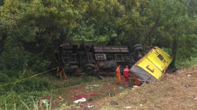 Dua Bus Kecelakaan Maut di Tol Cipali, Tujuh Orang Tewas!
