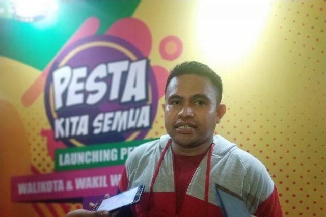 Ketua KPU Kota Makassar Faridl Wajdi memberi keterangan disela peluncuran tahapan Pilkada serentak Pemilihan Wali Kota Makassar tahun 2020 di Pasar Segar, Makassar, Sulawesi Selatan, Jumat (8/11/2019) malam.