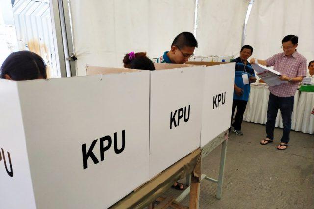 Ilustrasi : Suasana pencoblosan di TPS saat Pilkada Wali Kota Makassar beberapa waktu lalu.