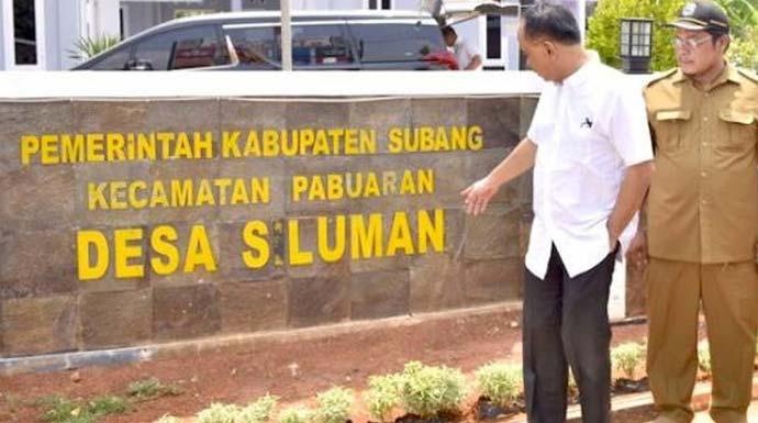 Wakil Menteri Desa Budi Arie Setiadi (berkemeja putih) di Desa Siluman, Kecamatan Pabuaran, Subang, Jawa Barat, Selasa (12/11). Foto: dokumentasi pribadi for JPNN.Com
