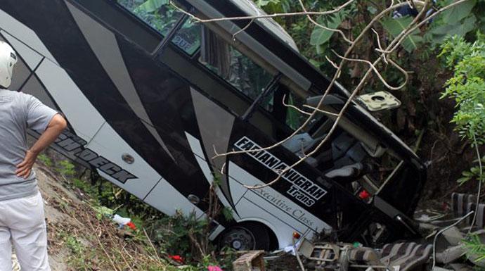 Bus-Kecelakaan