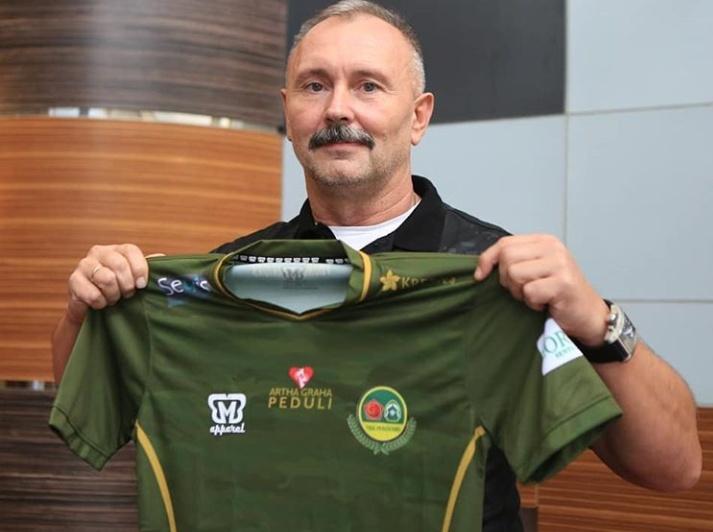 Igor Kriuschenko pelatih anyar PS Tira-Persikabo