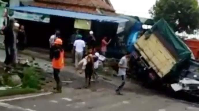Tabrakan Beruntun di Bandung Barat, Balita Dua Tahun Tewas ...