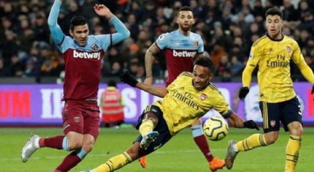 Arsenal kalahkan West Ham dengan skor 1-3 pada laga lanjutan Liga Inggris, Selasa (10/12) dini hari WIB. (BBC)