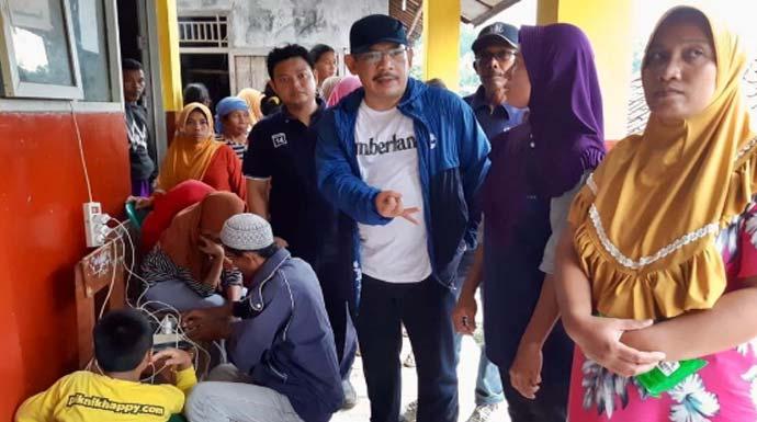 Tinjau Lokasi Bencana, AW: Pemkab Bogor Terjunkan Alat Berat untuk Evakuasi