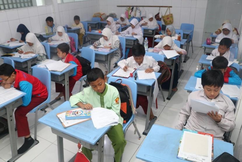 Ajang Kompetisi Sains Nalaria Realistik (KSNR) Se-Indonesia