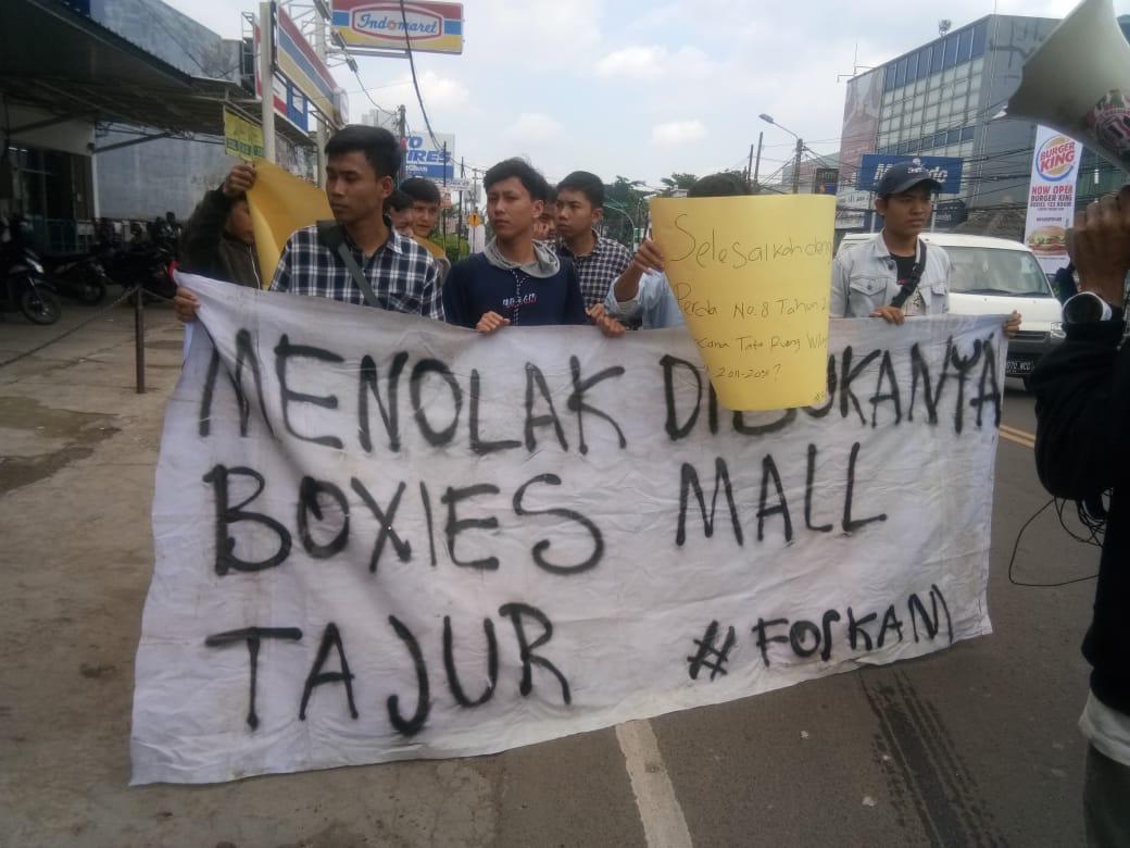 Dituding Jadi Penyebab Kemacetan, Mall Boxies di Jalan Raya Tajur Didemo Mahasiswa