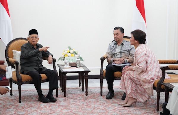 Wapres KH Ma'ruf Amin saat menerima Pendiri Foreign Policy Community of Indonesia (FPCI) Dino Patti Djalal dan jajaran di Istana Wapres, Jakarta, Selasa (28/1). Foto KIP Setwapres