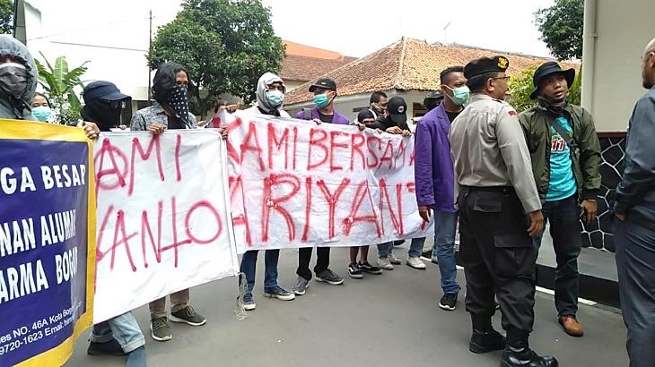 Minta Rekannya Dibebaskan, Mahasiswa Unpak Demo Kantor PN Bogor