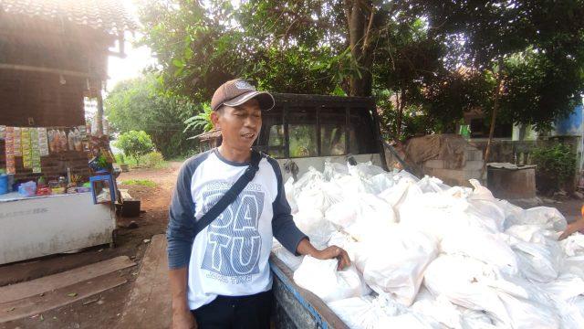 PT MTLB Sebar Ratusan Paket Sembako