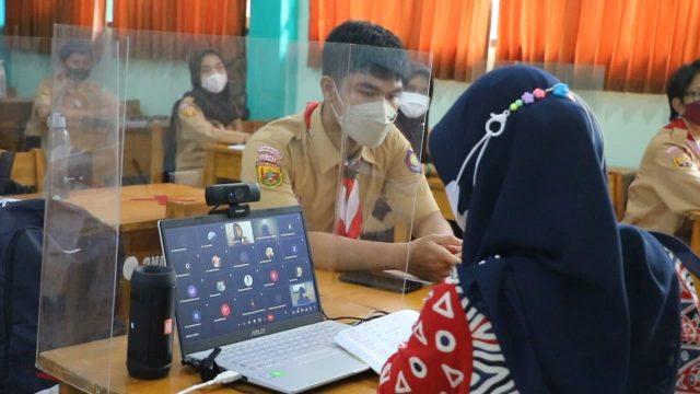 Suasana PTMT di SMAN 1 Cibinong. Nelvi/Radar Bogor