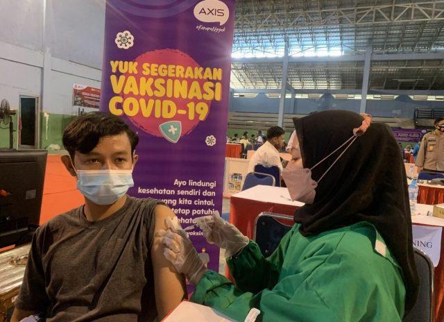 AXIS Dukung Vaksinasi Pelajar dan Mahasiswa di Pontianak