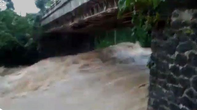 Jembatan Sungai Cikuluwung