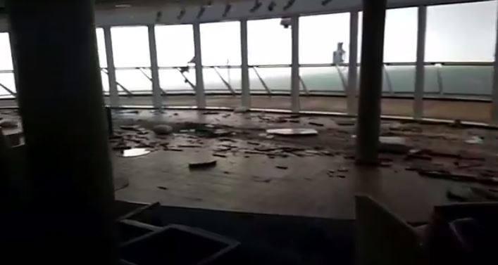 Kerusakan kapal pesiar Viking Sky.