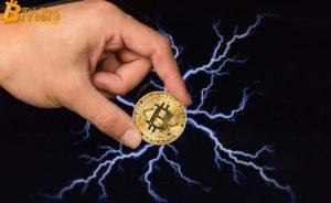 Phí giao dịch Bitcoin giảm về mức thấp nhất 4 năm qua, khối lượng giao dịch phục hồi