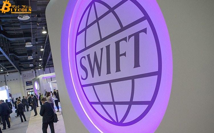 SWIFT: Tiền điện tử là 'vô dụng', giảm giá trị như một yoyo