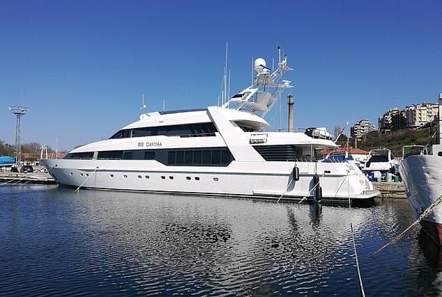 Du thuyền sang chảnh của bà trùm Onecoin ở biển Đen.