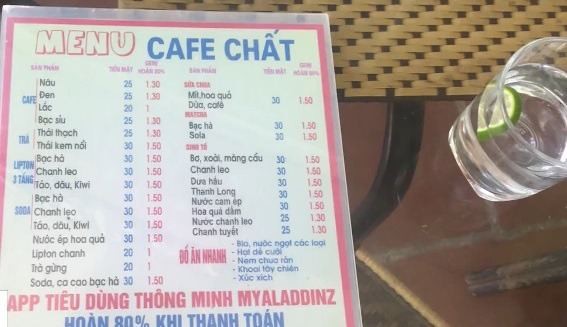 Một quán nước sử dụng app Myaladdinz trong thanh toán.