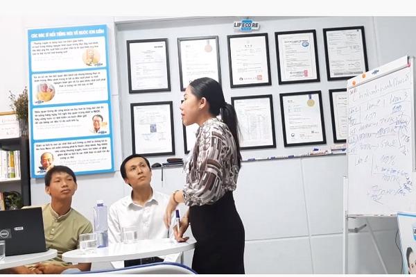 Trưởng nhóm Nguyễn Thúy Lan thừa nhận đây là hệ thống mà người sau nuôi người trước, hệ thống sẽ sập khi không có người vào mới - Ảnh chụp màn hình