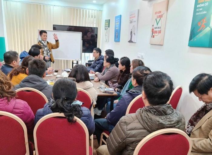 Những buổi chia sẻ cơ hội đầu tư được các trưởng nhóm tổ chức liên tục để tìm thành viên mới
