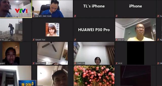 Buổi họp zoom online của nhóm Nteam.