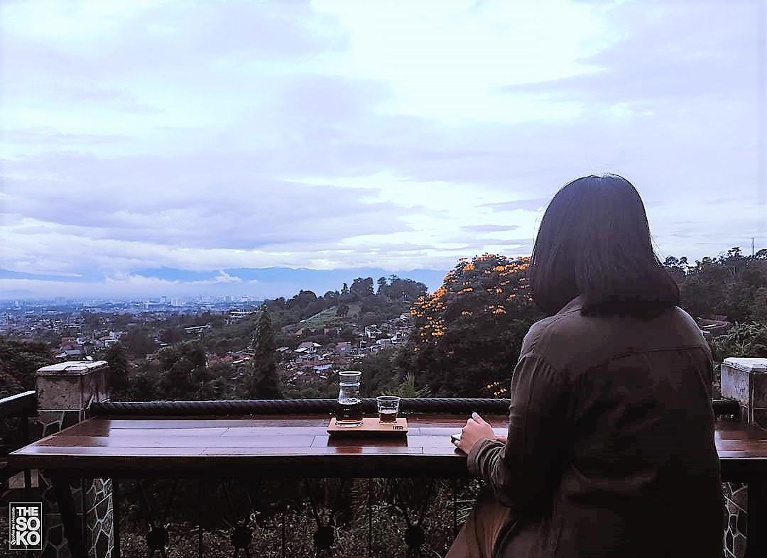 10 Tempat Makan Murah Di Bandung Dengan View Keren